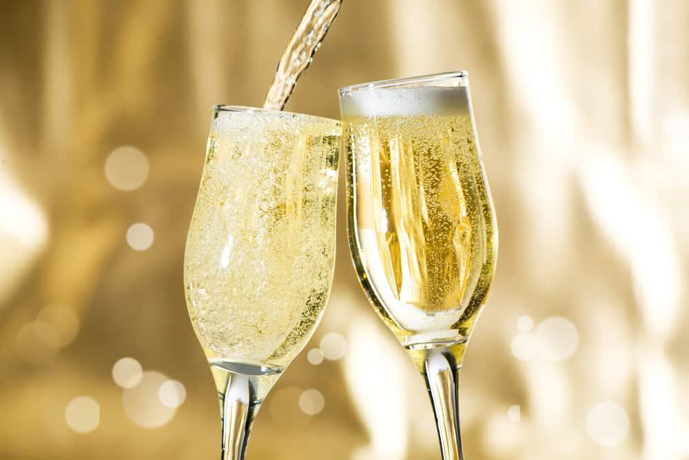 Можно ли беременным шампанское во время 1, 2 и 3 триместра, как это скажется на малыше?