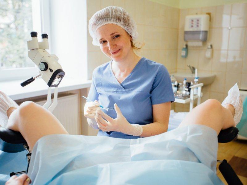 Почему при беременности болит правая сторона живота
