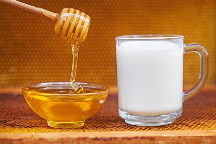 Молоко с маслом от кашля при беременности