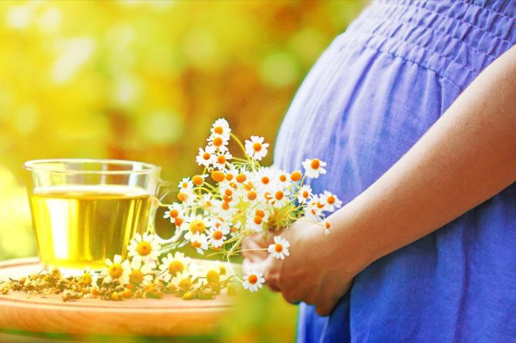 Можно ли спринцеваться ромашкой при беременности от молочницы?
