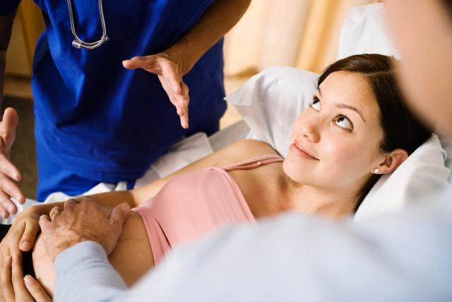 Обморок при беременности на ранних сроках: причины и профилактика