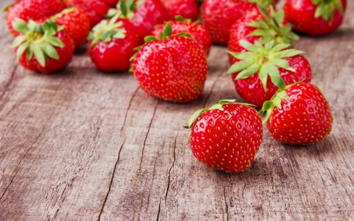 Можно ли есть клубнику беременным, польза и вред, опасность ягод во время 3 триместра беременности, правила употребления продукта