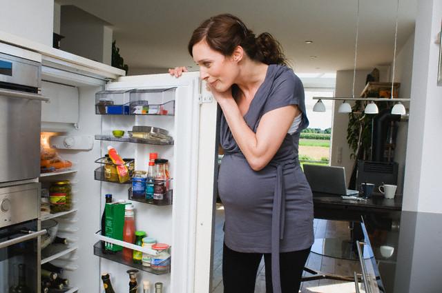 Отравление при беременности что делать понос